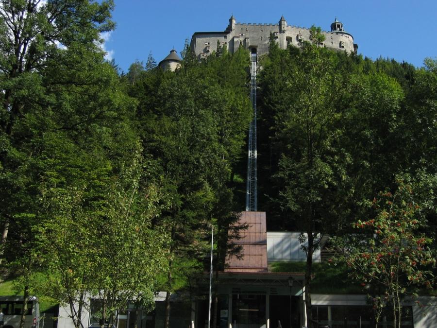 Hohenwerfen 01 Talstation 900x675 - Erlebnisburg Hohenwerfen, AT
