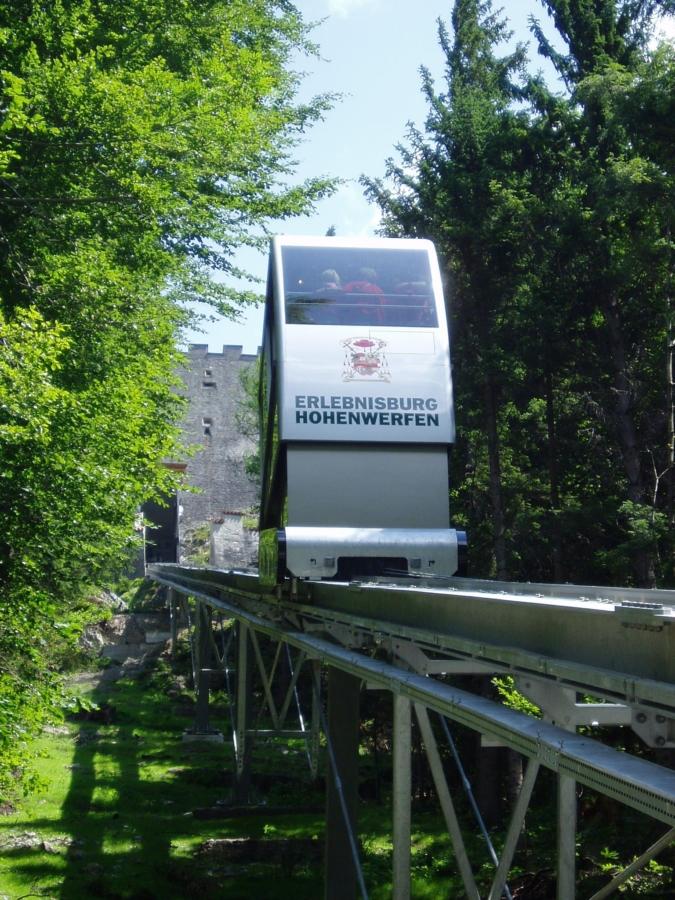 Hohenwerfen 04 Kabine 675x900 - Erlebnisburg Hohenwerfen, AT