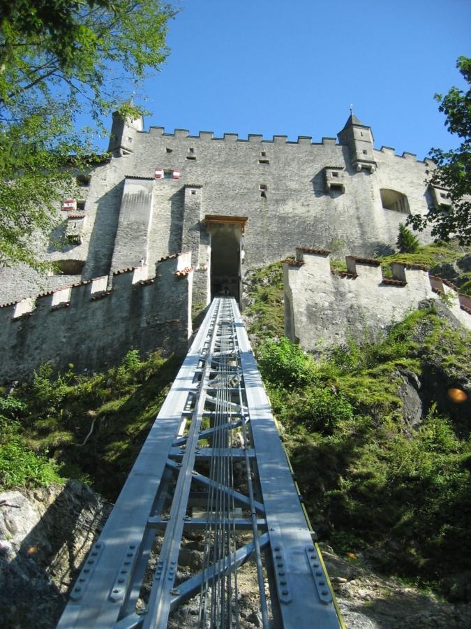 Hohenwerfen 05 Bergeinfahrt 675x900 - Erlebnisburg Hohenwerfen, AT