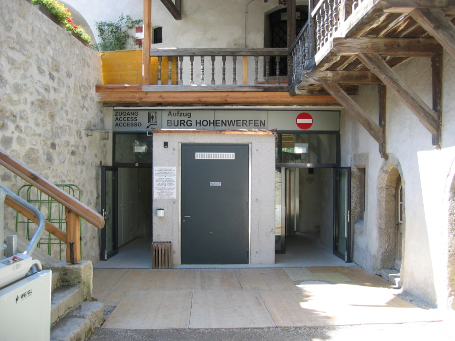 Hohenwerfen 07 Talstationeingang 900x675 - Erlebnisburg Hohenwerfen, AT