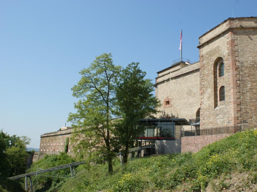 Koblenz 06 Bergstation 900x673 - Fortress Shuttle, Ehrenbreitstein, Koblenz, DE