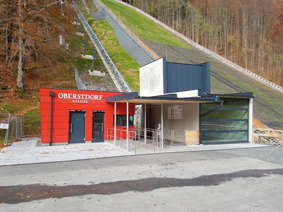 Oberstdorf HKS 00 900x675 - Heini-Klopfer Skiflugschanze, Oberstdorf, DE