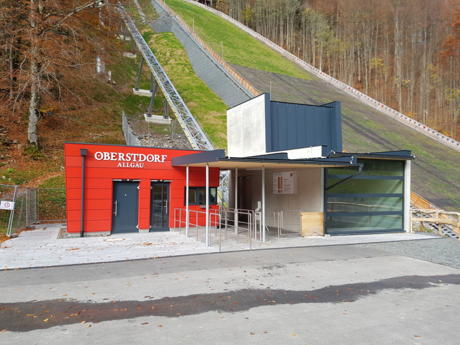 Oberstdorf HKS 00 900x675 - Heini Klopfer Ski-Flying Jump, DE