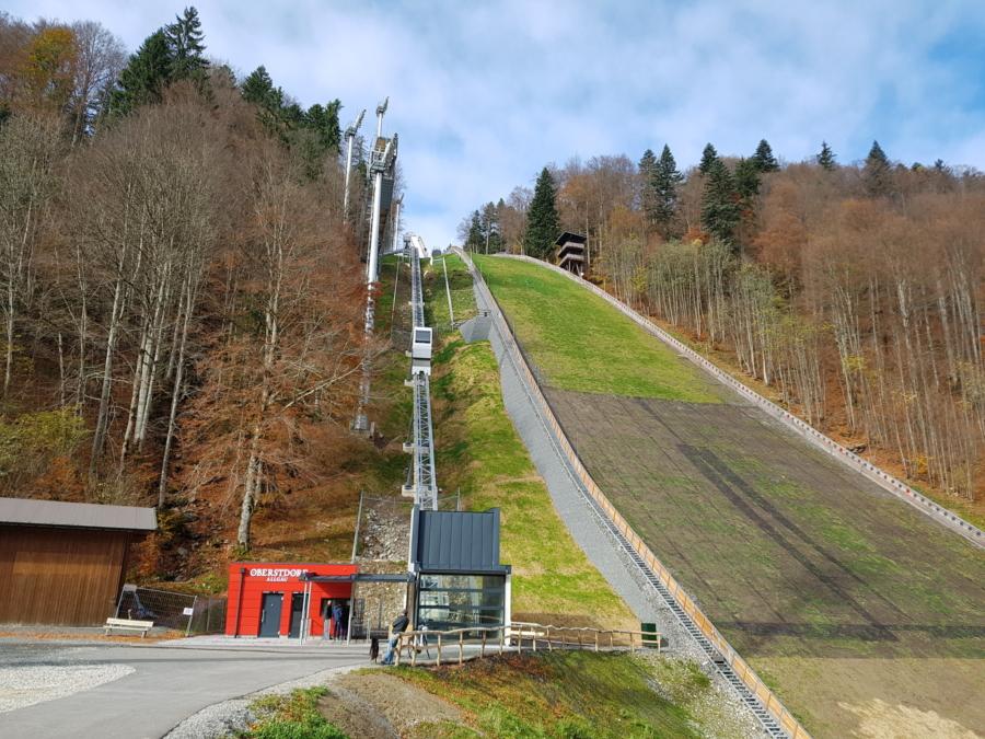 Oberstdorf HKS 04 900x675 - Heini Klopfer Ski-Flying Jump, DE