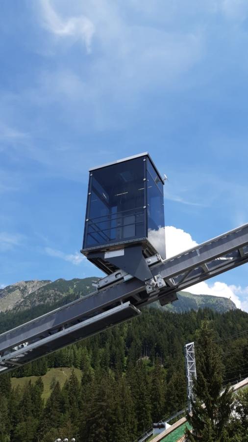 Oberstdorf SAA 02 1 506x900 - Inclined Elevator Sport Audi Arena, Oberstdorf, DE