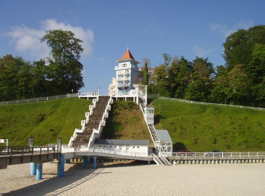 Sellin 01 Anlage 900x666 - Seebrücke Insel Rügen, Sellin, DE