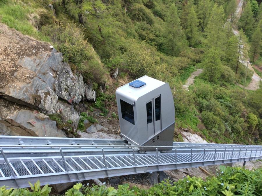 Valtournenche 01 900x672 - Conca di Cheneil Valtournenche, IT